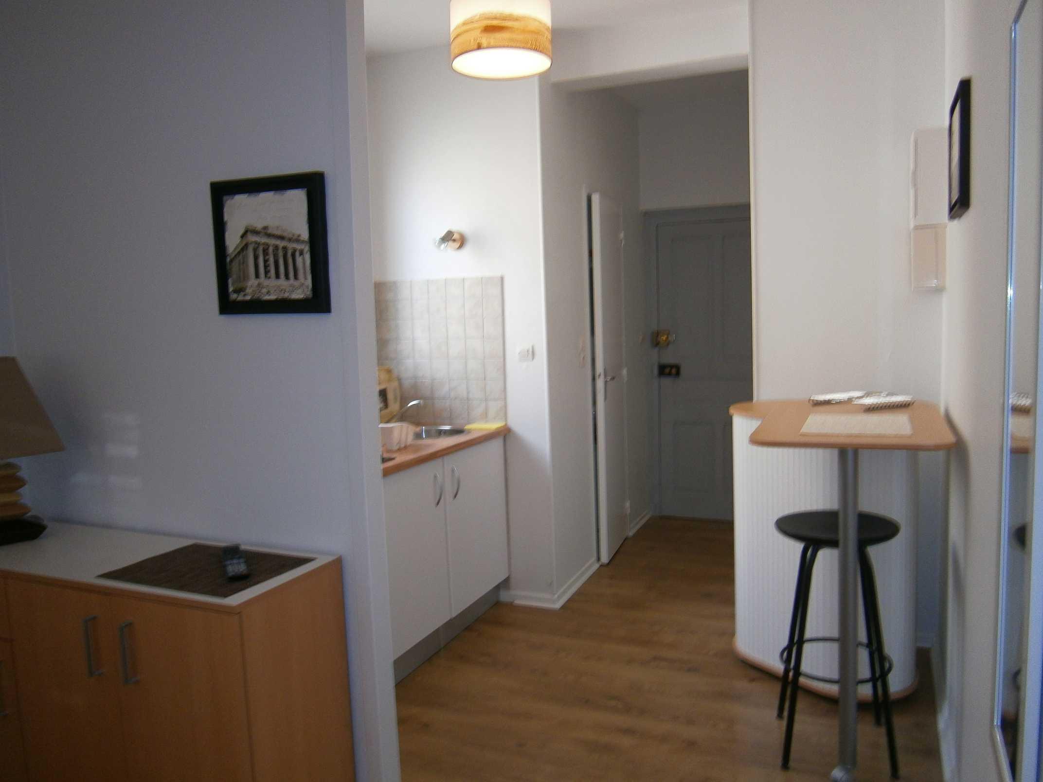 superbe studio meubl rue du 19 mars 62 id al logement tudiant begip begip. Black Bedroom Furniture Sets. Home Design Ideas
